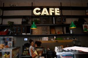 Your walking guide to specialty coffee in Berlin Kreuzberg_kaffee 9_counter