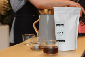 Your walking guide to specialty coffee in Berlin Kreuzberg_refinery retail store_filter coffee taste