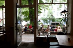 Your walking guide to specialty coffee in Berlin Kreuzberg_five elephant_outside view