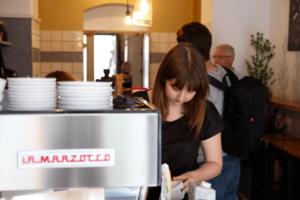 Your walking guide to specialty coffee in Berlin Kreuzberg_19grams_la marzocco