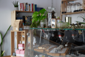Your walking guide to specialty coffee in Berlin Kreuzberg_black sheep_counter
