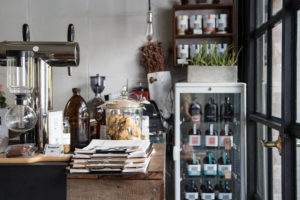 mels-coffee-travels-signature-drinks-chiang-mai-graph-cafe-counter